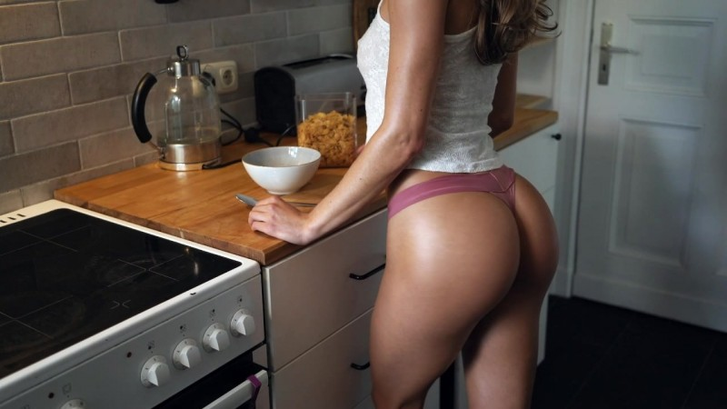 Leo Lulu - Horny Chick With Perfect Ass Gets Pounded From Behind In Kitchen [TrueAmateurs] 2019