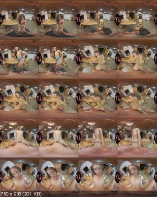 VRLatina: Johana Rivera (Good Things Cum In Small Packages / 11.10.2019) [Oculus | SideBySide] [2650p]